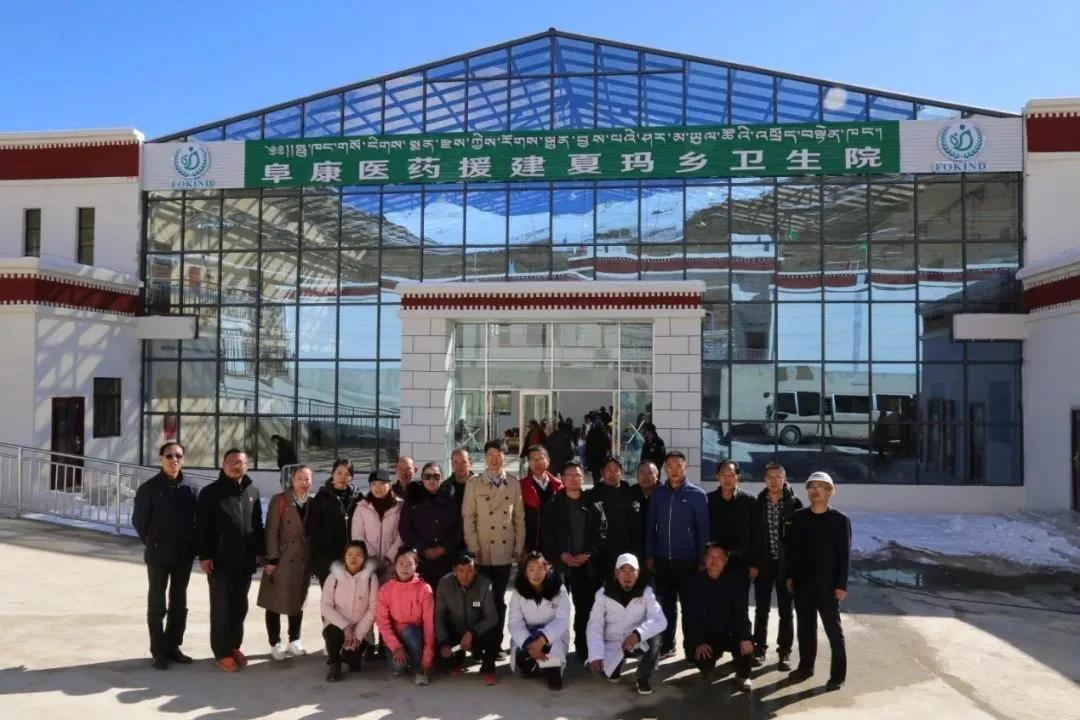 青藏公路母子伤别离:阜康医院格桑拉吉赴援夏玛乡临行与子一见
