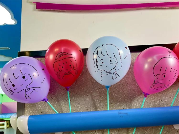 """阜康医院""""业余画师""""画气球妆点儿童节:童年的小气球,飞回我手里!"""